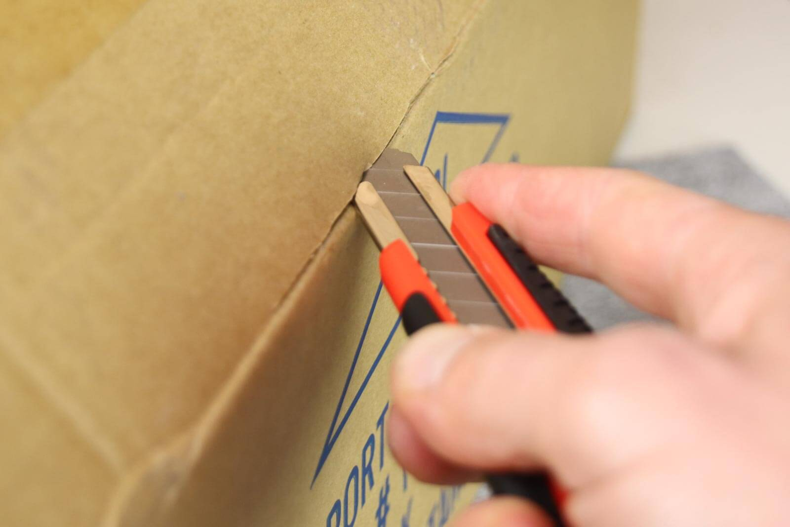 C062-Cuttermesser-18-mm-Basic-Karton-CURT-tools_1600