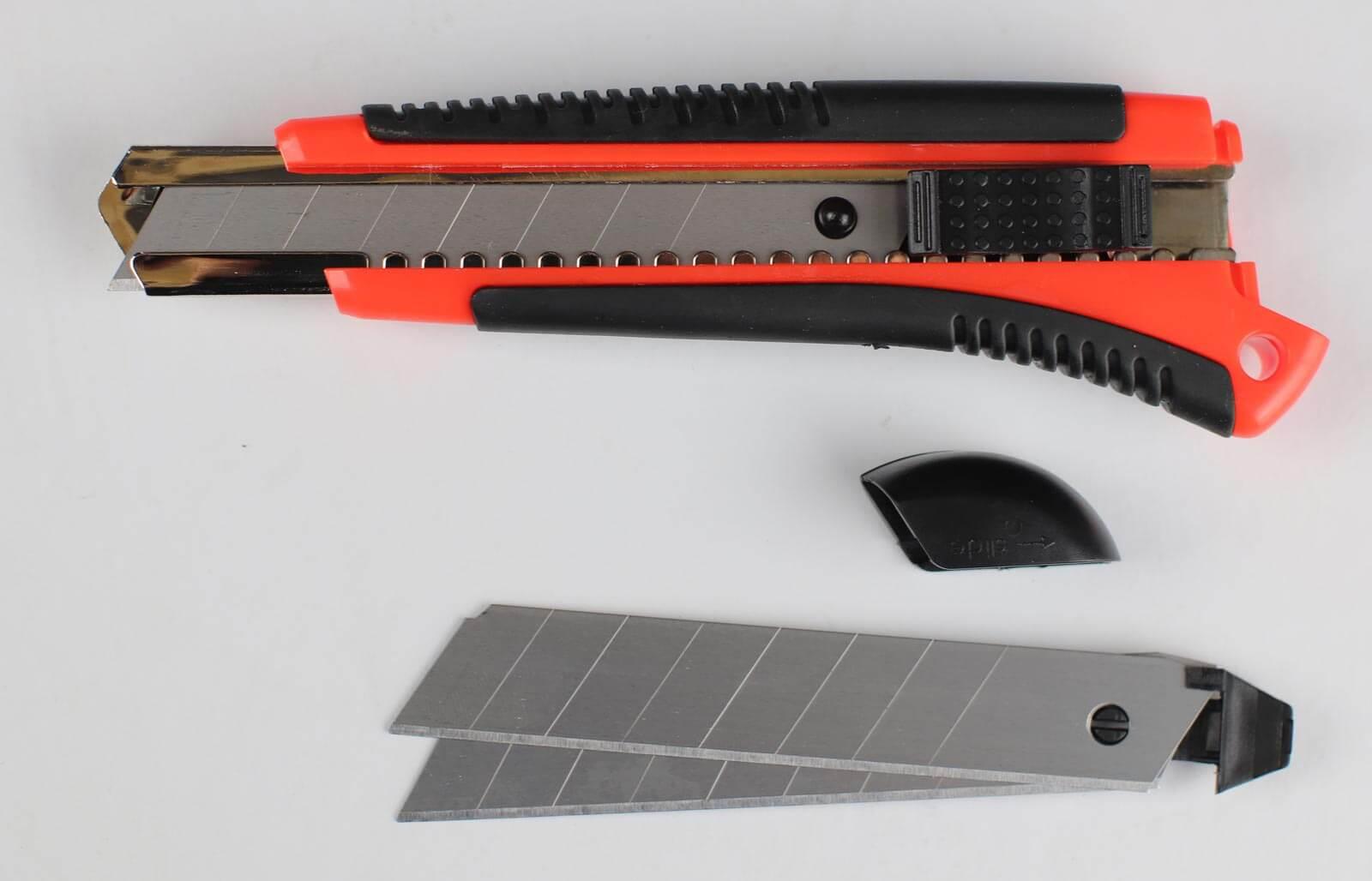 C062-Cuttermesser-18-mm-Basic-Lieferumfang-CURT-tools_1600