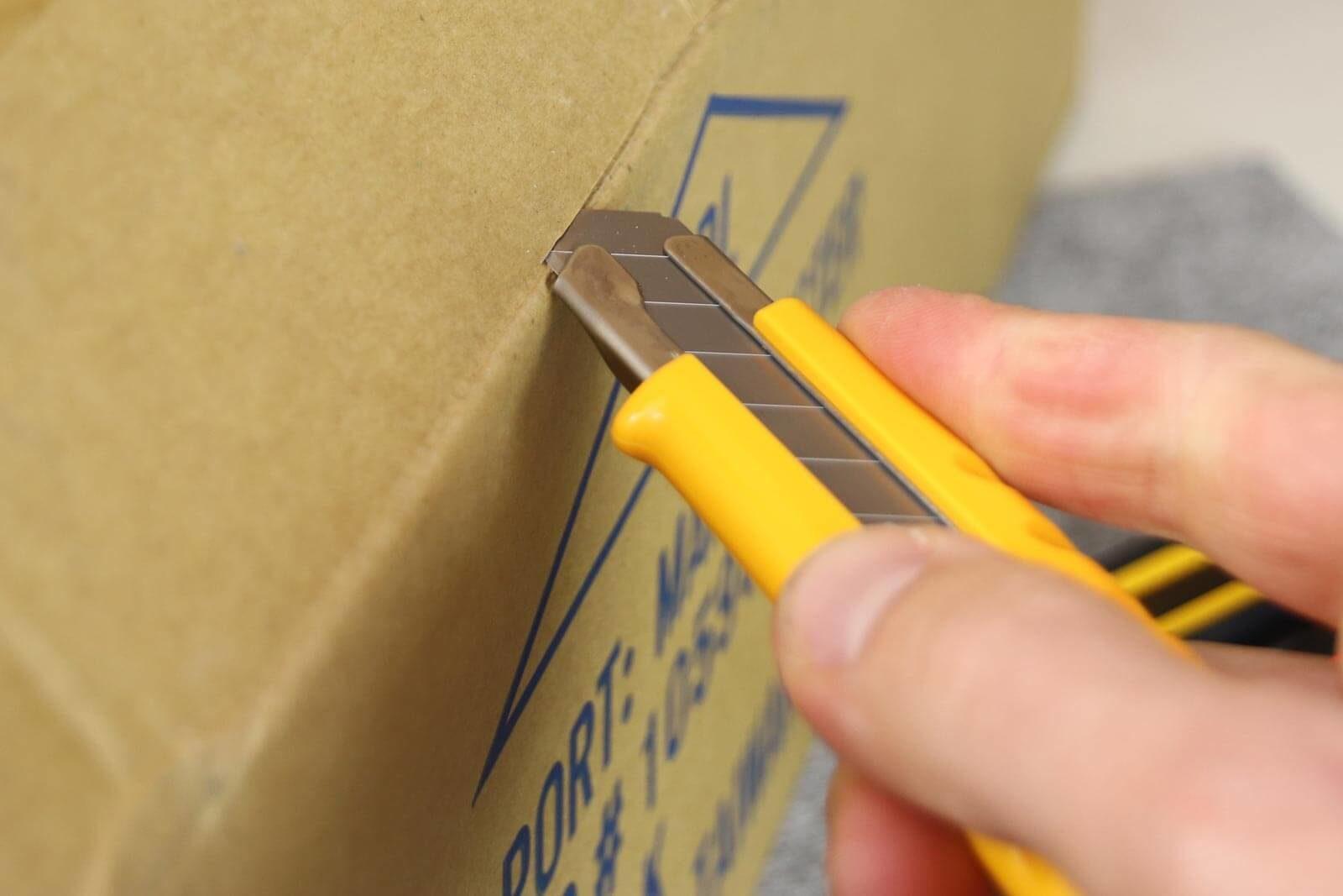 C065-Cuttermesser-18-mm-Premium-OLFA-L1-Dial-Lock-Karton-CURT-tools_1600