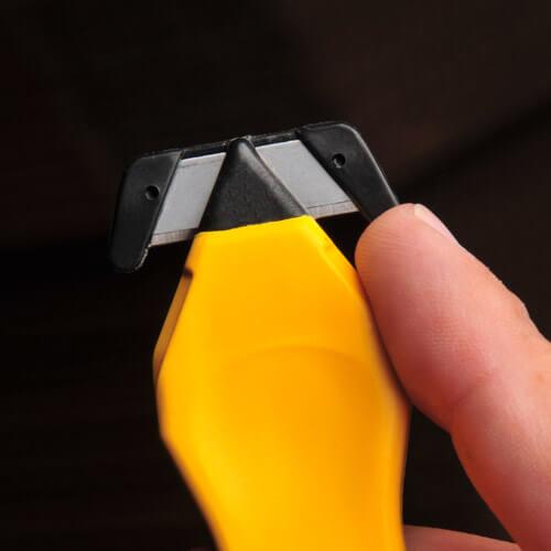 H033G-Sicherheitsmesser-Schutzhaken-maximaler-Schutz-CURT-tools_500